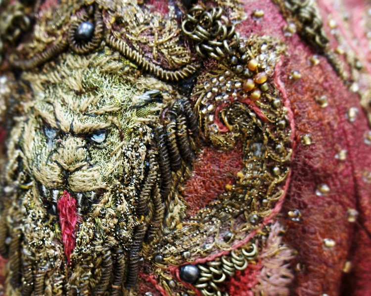 CERSEI NEW LION EMBROIDERY