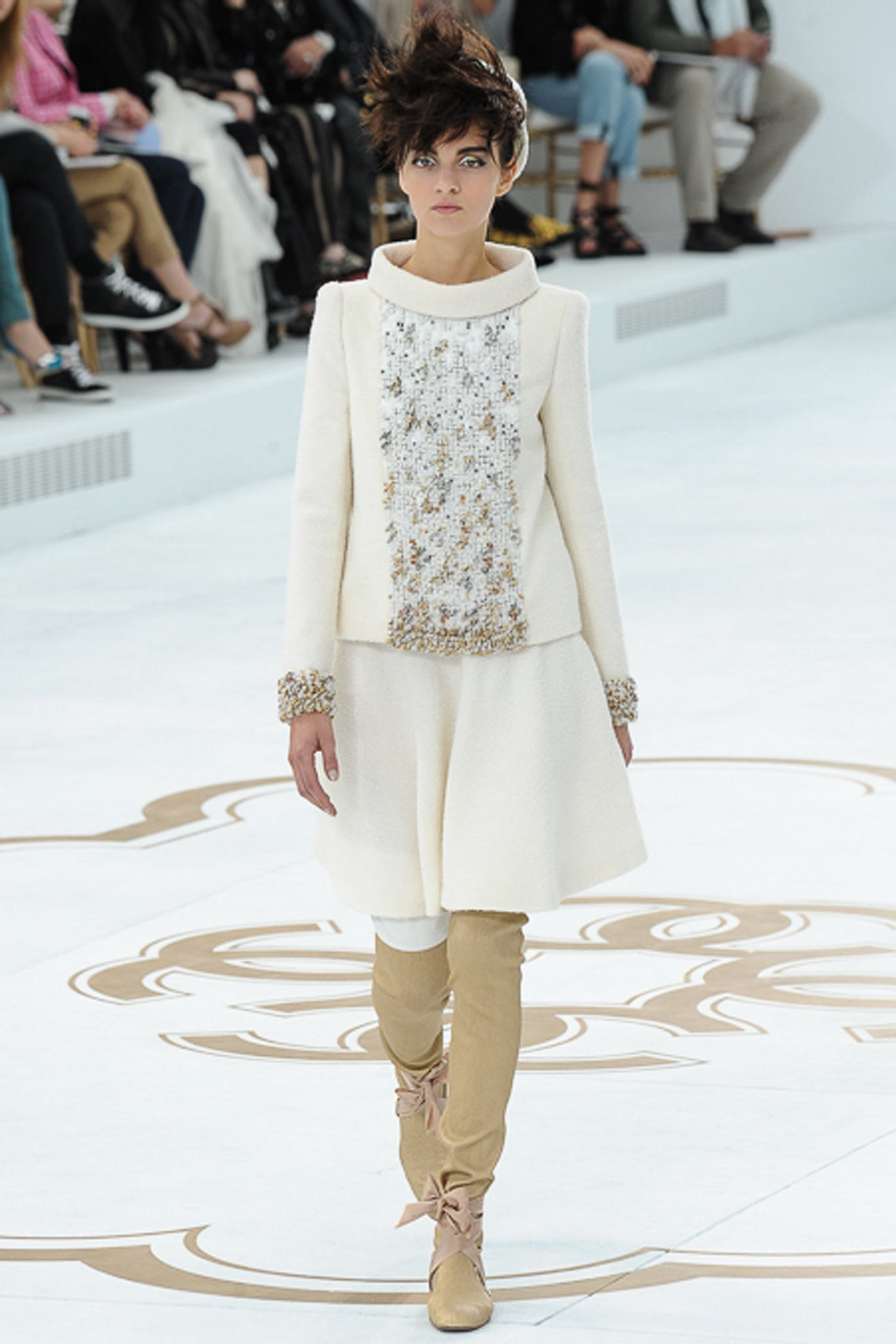 chanel-couture-fall-2014-18_105835803086