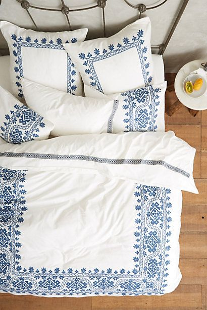 M&J Trimming: Embroidered Bedspread