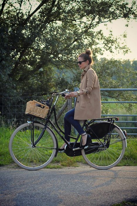 M&J Trimming: Bicycle-Riding Outfit with Coat