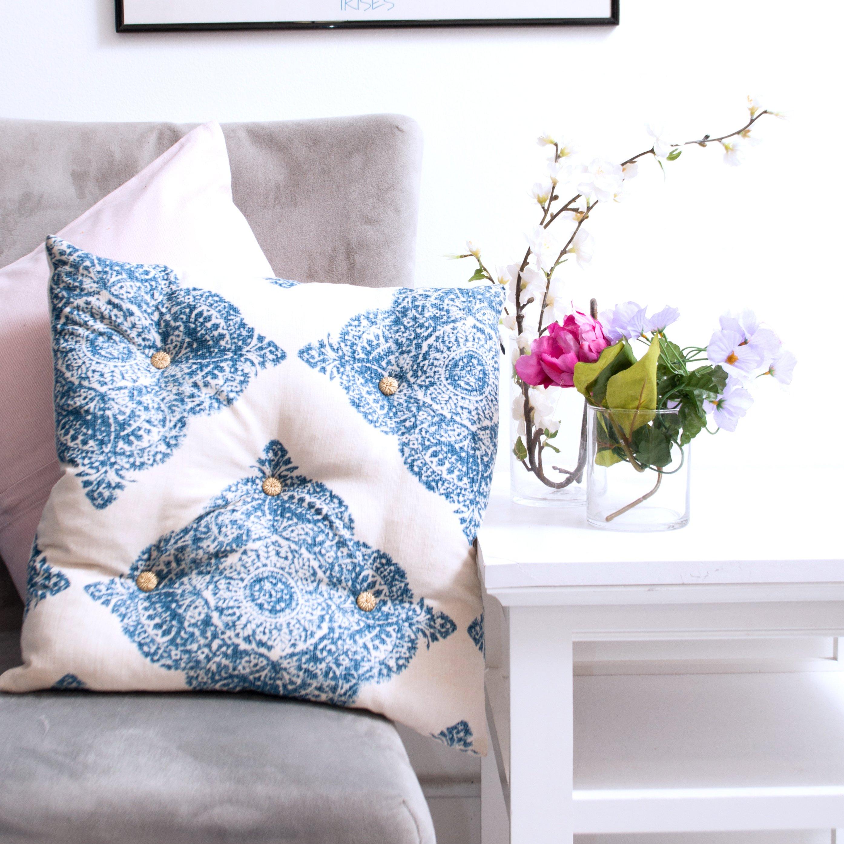 Diy Tufted Throw Pillow : DIY: Tufted Pillow ? M&J Blog