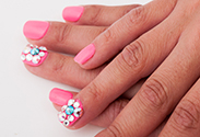 Our latest DIY: Shimmering Nail Art