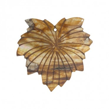 SHELL LEAF PENDANT