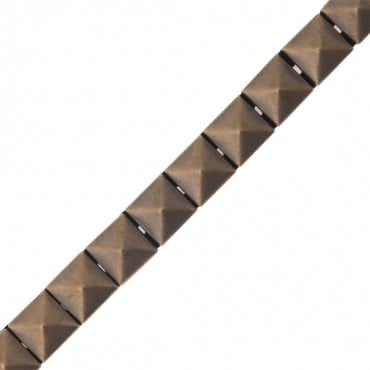 12MM IRON-ON LARGE PYRAMID TRIM