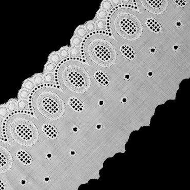 "3 1/2"" SCALLOP AND EYELET LACE"