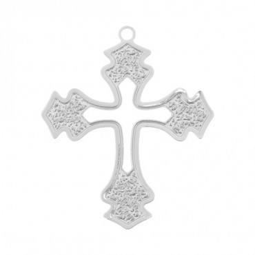 CUTOUT CROSS PENDANT