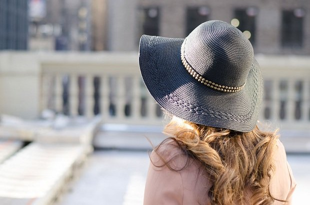 nailhead-trim-hat