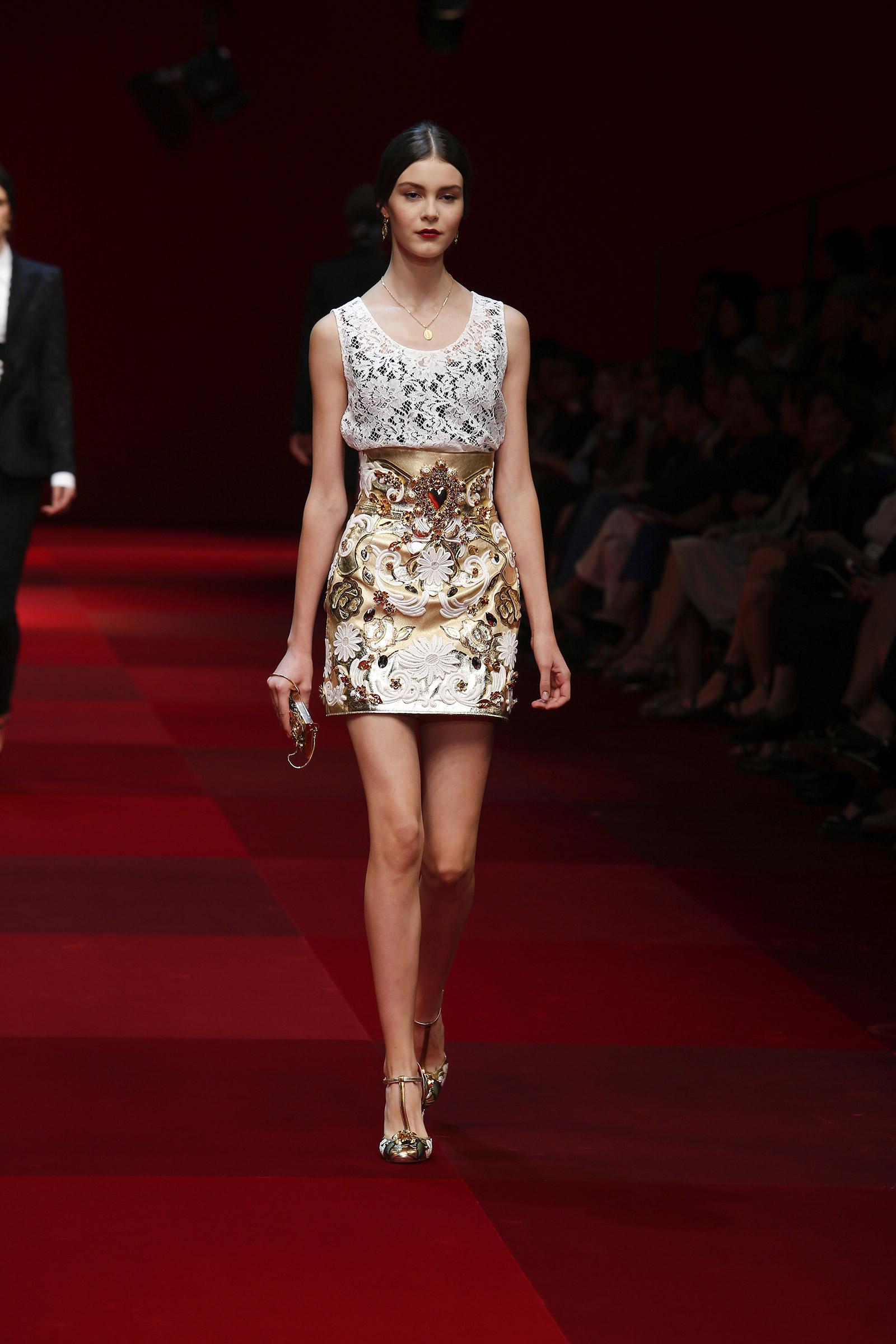 dolce-and-gabbana-summer-2015-women-fashion-show-runway-012