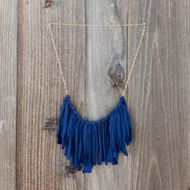 M&J Trimming - T-Shirt Tassel Necklace
