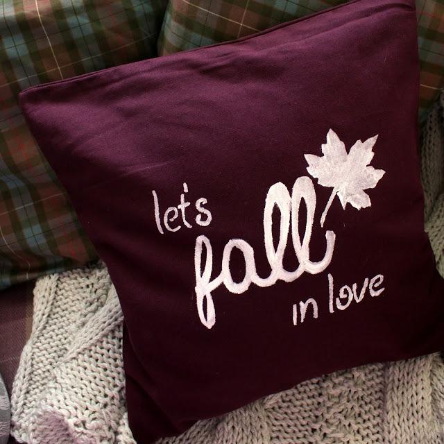 M&J Trimming - Fall Pillow