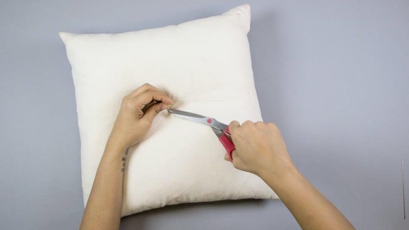 Diy Tufted Throw Pillow : DIY: Tufted Pillow M&J Blog