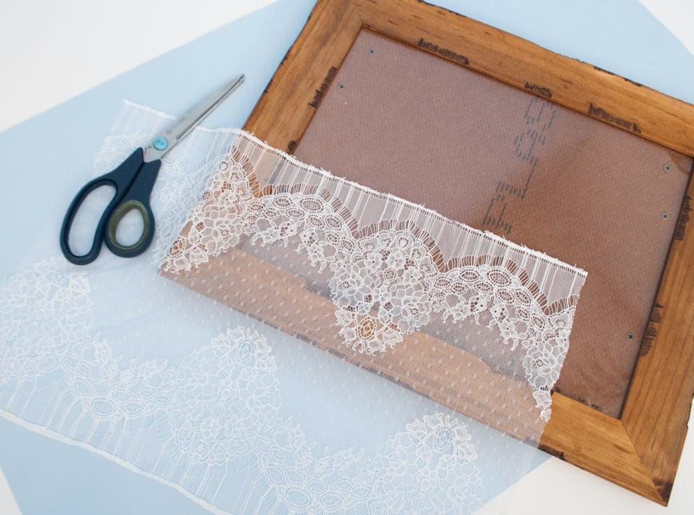 Diy 3 Ways To Use Frames In Your Dorm Room Mj Blog