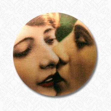 The Kiss Button